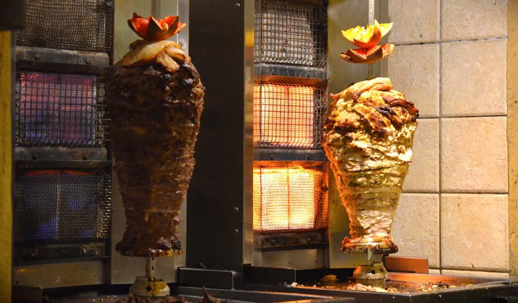 shawarma-on-dubai-street