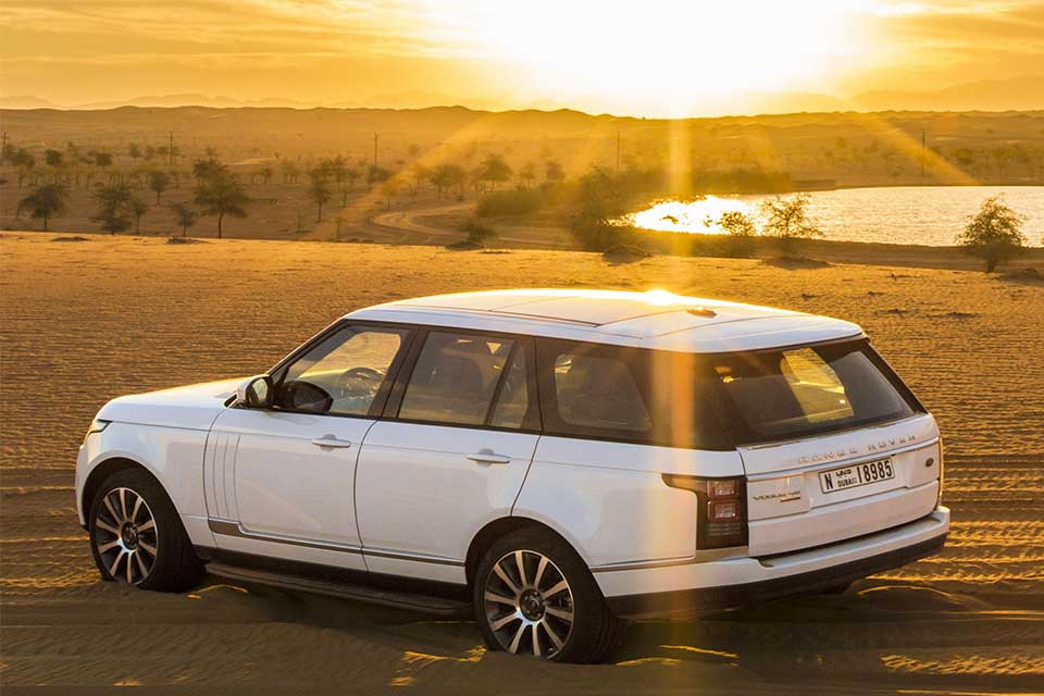 Range-Rover-Luxury-Desert-Safari