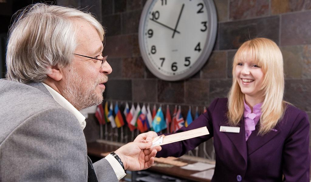 hotel-concierge-dubai