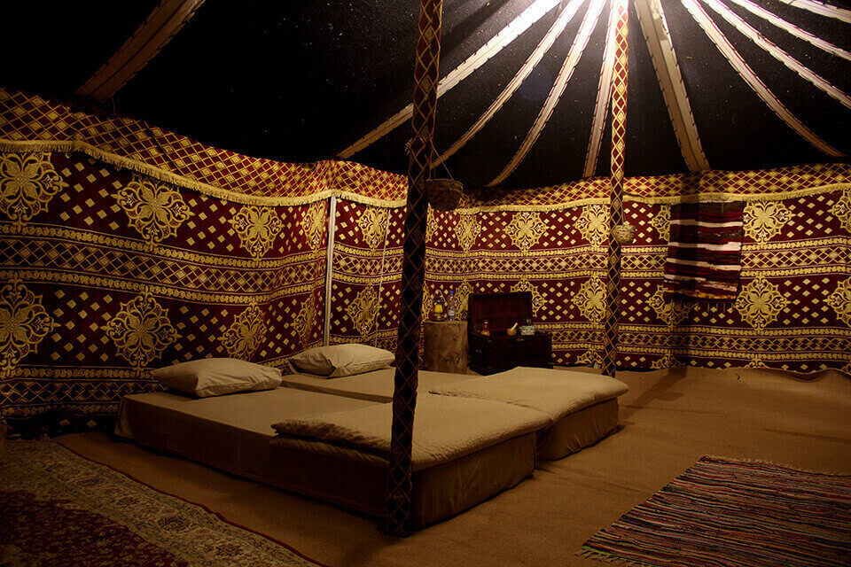 Overnight Desert Safari & Bedouin Breakfast