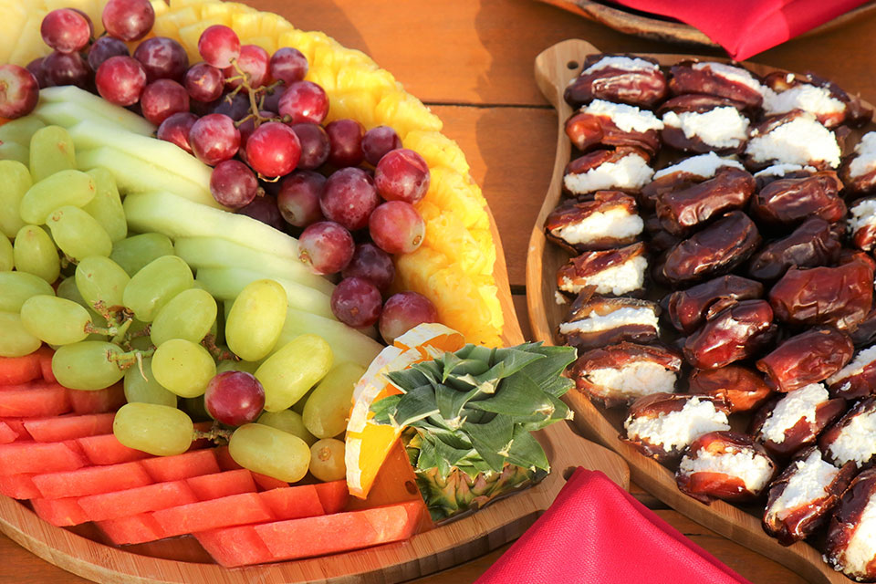 Fruit-and-dates-with-cheese