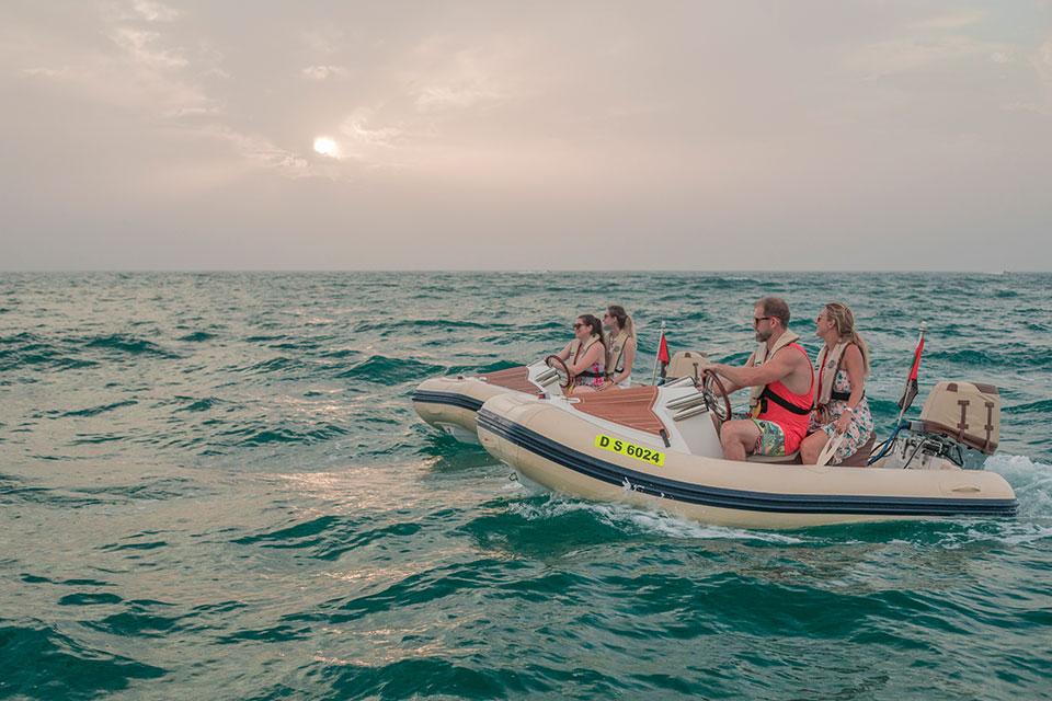 Sunset-Boat-Tour-Dubai