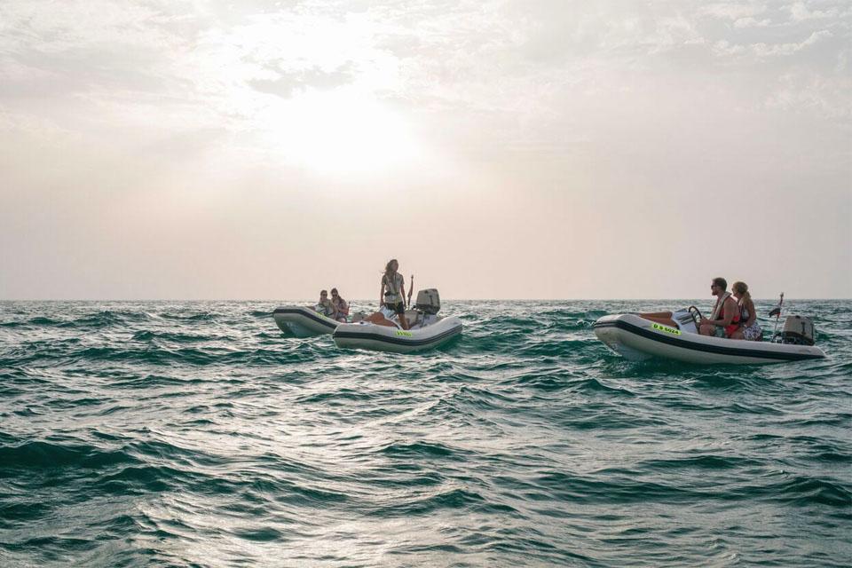 Sunset self-drive boat tour Dubai copy