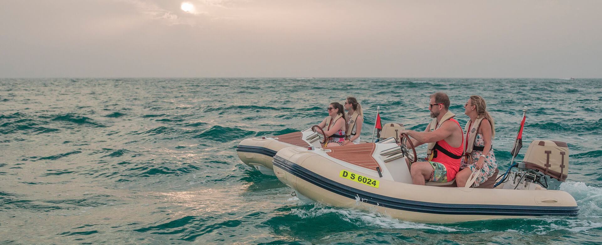 HERO Boat tour Dubai sunset